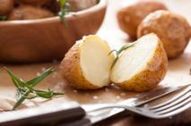 Młode ziemniaki zapiekane w oliwie