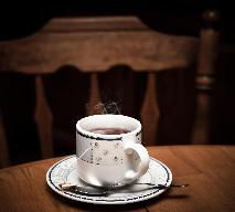 Czerwona herbata - jakie ma właściwości i jak ją przyrządzać?