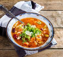 Minestrone - przepis na lekką zupę warzywną