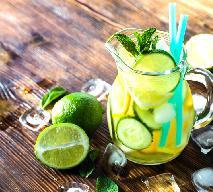 Orzeźwiający napój cytrusowy z ogórkiem i miętą
