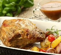 Pieczona karkówka w sosie rozmarynowym: przepis