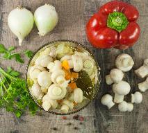 Sałatka warzywna z pieczarkami