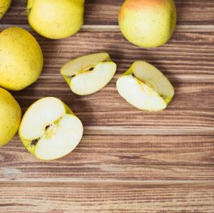 Jabłka w kapturkach: przepis na zdrowy deser, który spodoba się wszystkim dzieciom