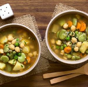Zupa z bobu - jak ją przyrządzić? SPRAWDZONY PRZEPIS