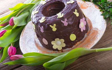 Babka ajerkoniakowa w polewie czekoladowej