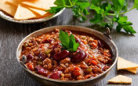 Jak zrobić dobre chili con carne? Prosty przepis na rodzinny obiad
