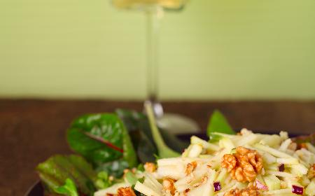 Surówka z kalarepy z rodzynkami - do codziennego obiadu
