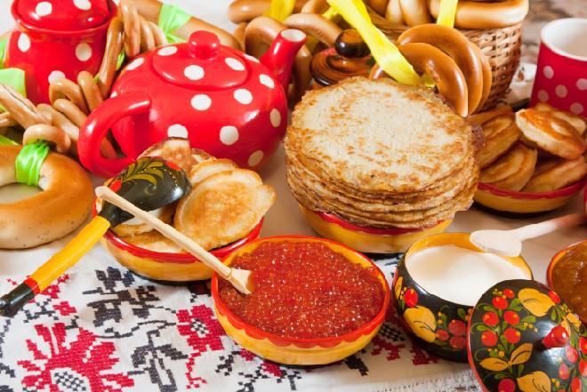 Z czego słynie kuchnia rosyjska? - najlepsze przepisy na rosyjskie zupy, mięsa, dania mączne i sałatki