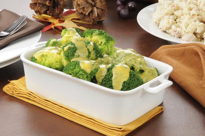 Zapiekanka makaronowa z tuńczykiem i brokułami [przepis]