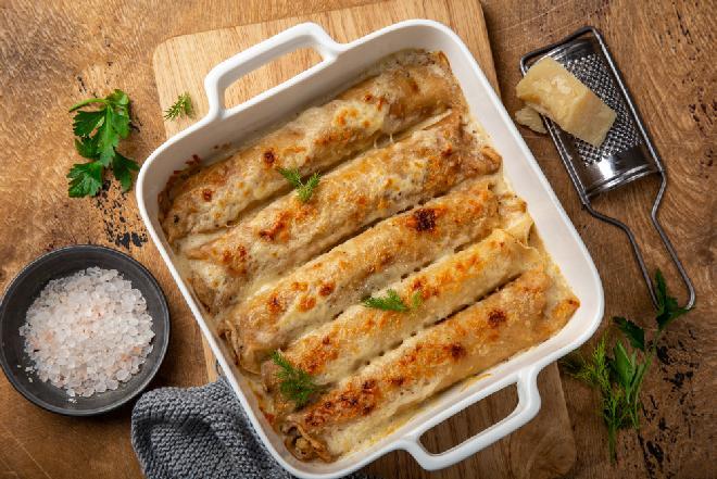 Naleśniki a la pizza: przepis na pyszne danie obiadowe