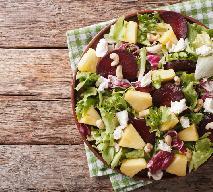 Sałata z burakami, ananasem i serem - chrupiąca i soczysta zarazem
