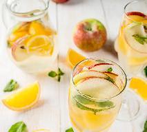 Wino musujące z jabłkami: łatwy przepis na lekki koktajl imprezowy