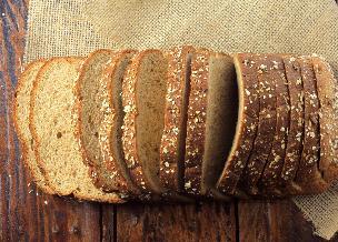 Miodowy chleb owsiany: przepis bez drożdży