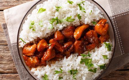 Majerankowe piersi kurczaka z sosem sojowym i miodem
