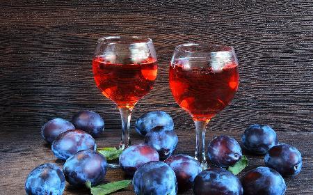 Jak zrobić wino ze śliwek? Przepis