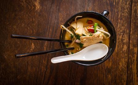 Zupa chińska z kurczakiem [błyskawiczna]