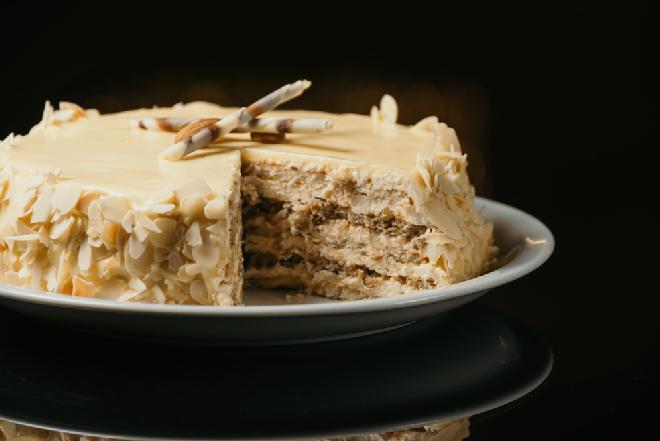 Nieziemski tort kawowo-morelowy