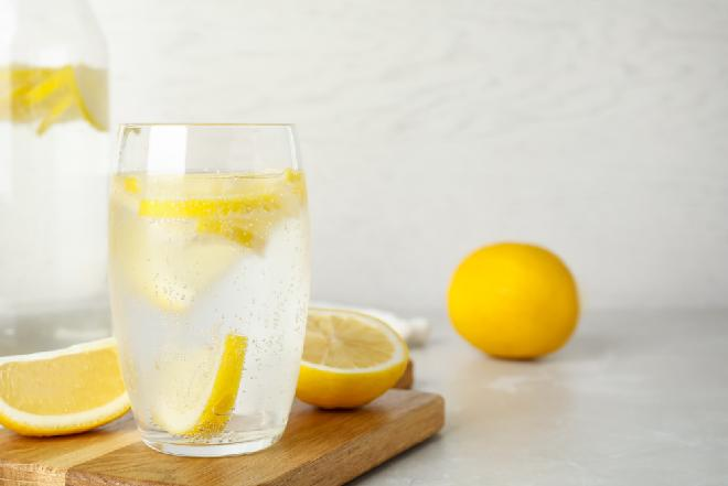 Domowy napój cytrynowy jak sprite - podajemy sprawdzony przepis